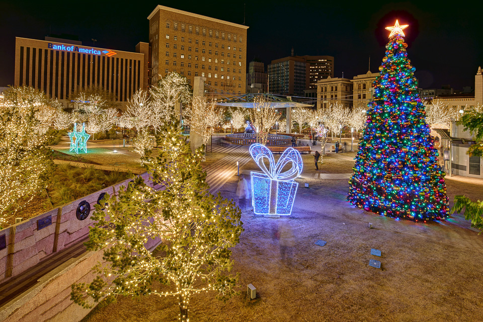 The Christmas Tree in downtown El Paso - Christmas Lights At San Jacinto Plaza - El Paso Professional