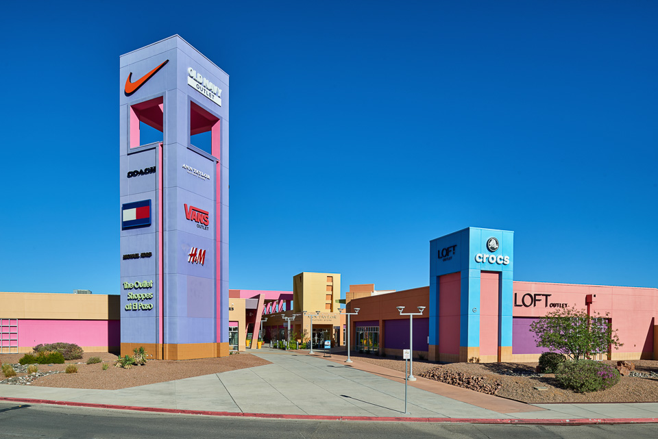 The Outlet Shoppes at El Paso offer more than 94 brand name factory outlet stores. The Outlet Shoppes at El Paso is located on S Desert Blvd El Paso, TX Here are a list of factory stores, information about mall hours and location. Please choose outlet store from list below to view details (contact, store hours, location, map and more)/5(34).