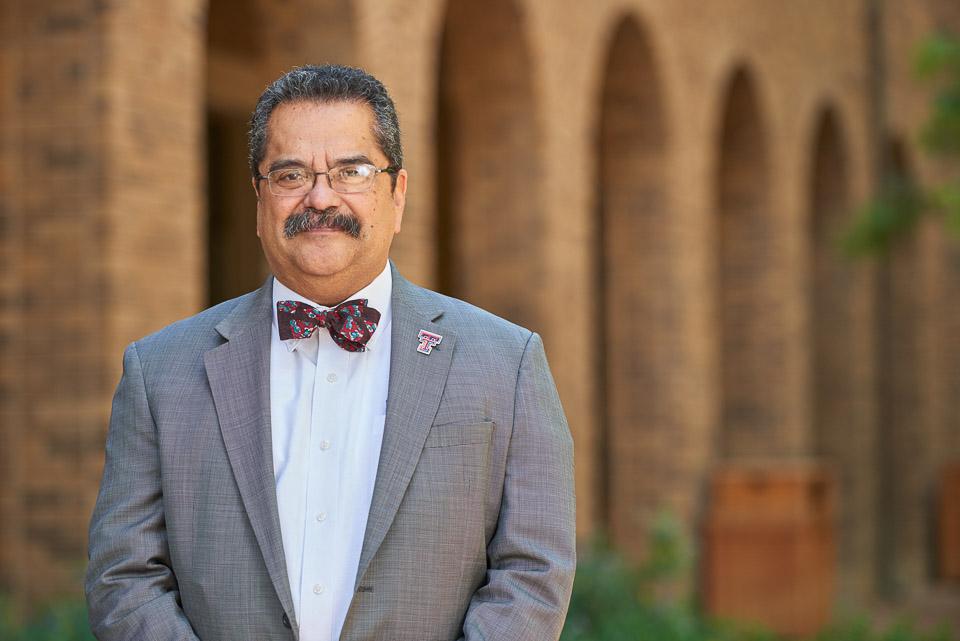 Dr. De la Rosa