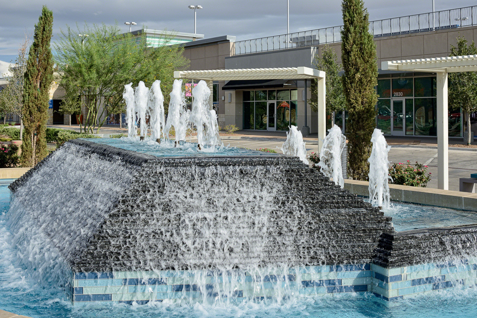Water feature at The Fountains at Farah