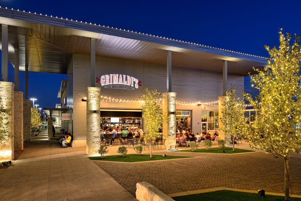 Architectural Photography of Grimaldi's in El Paso