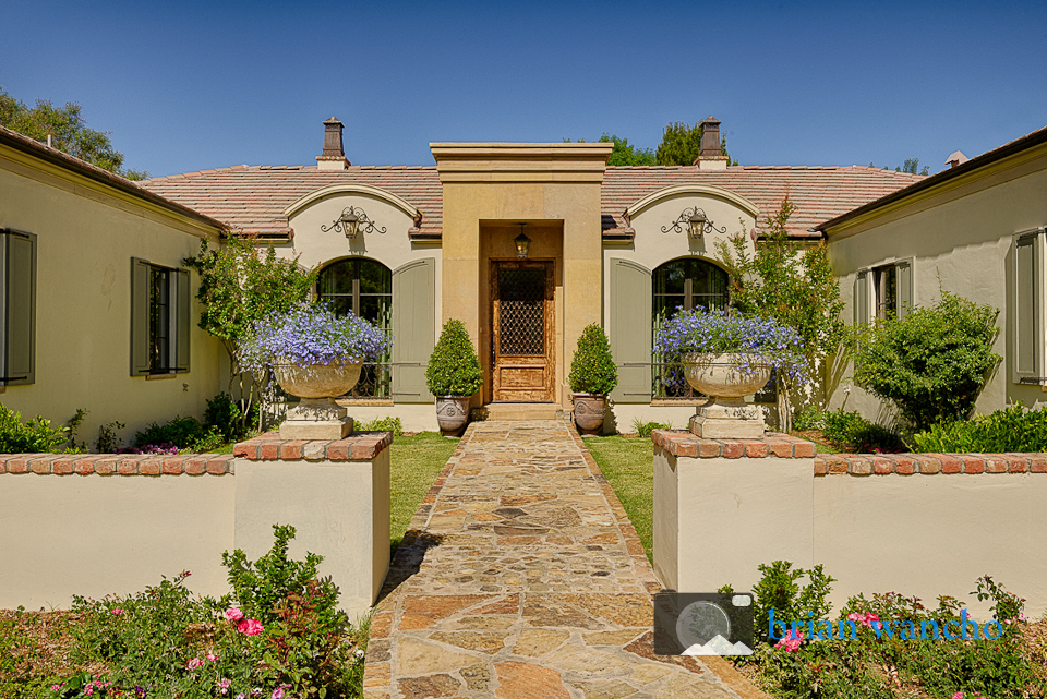 Daytime exterior photography