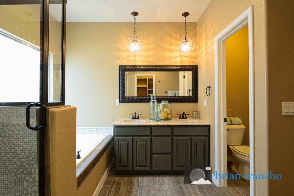 Master Bathroom - El Paso Real Estate Photographer