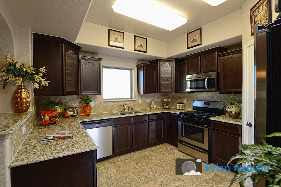 Real Estate Photographer in El Paso   Model Home Kitchen. Real Estate Photography for El Paso Home Builder   El Paso